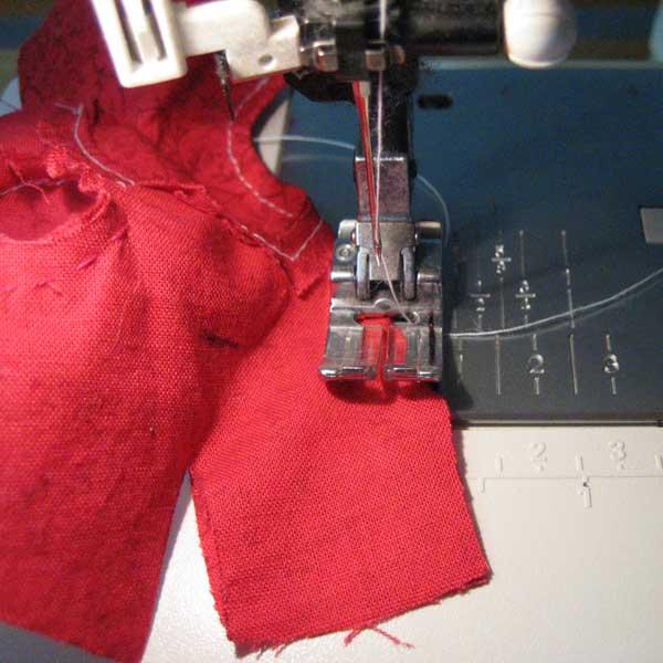 paso a paso las instrucciones visuales para dardos coser en Barbie corpiño