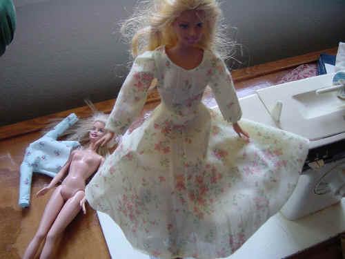 amarillo floral hecho a mano Barbie vestido largo del patrón de línea gratis